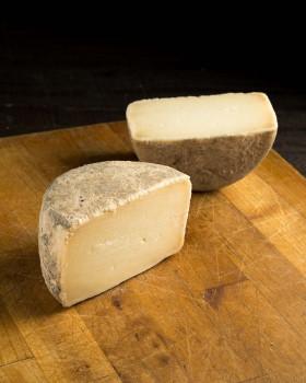 Queso de oveja semicurado «JUANTXO»